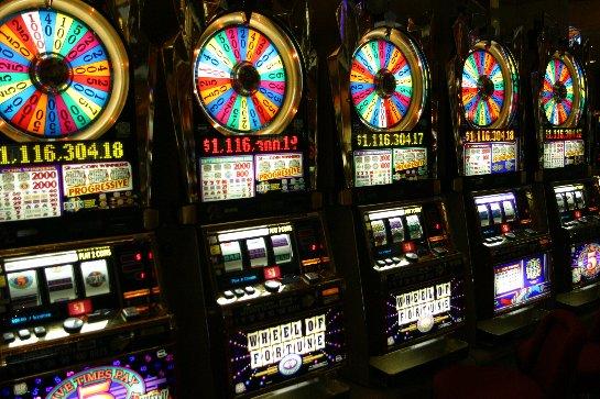 Где играть на деньги? Ответ — Вулкан24