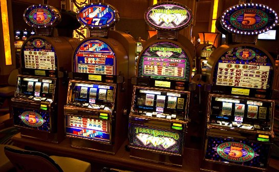 Играя в онлайн казино Вулкан Делюкс