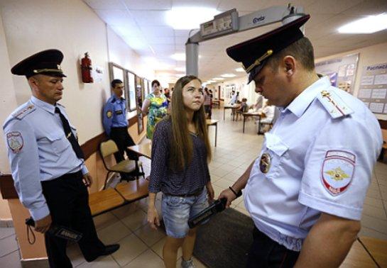 Минздрав передумал: полицию Саратова не допустят до интимной жизни школьниц