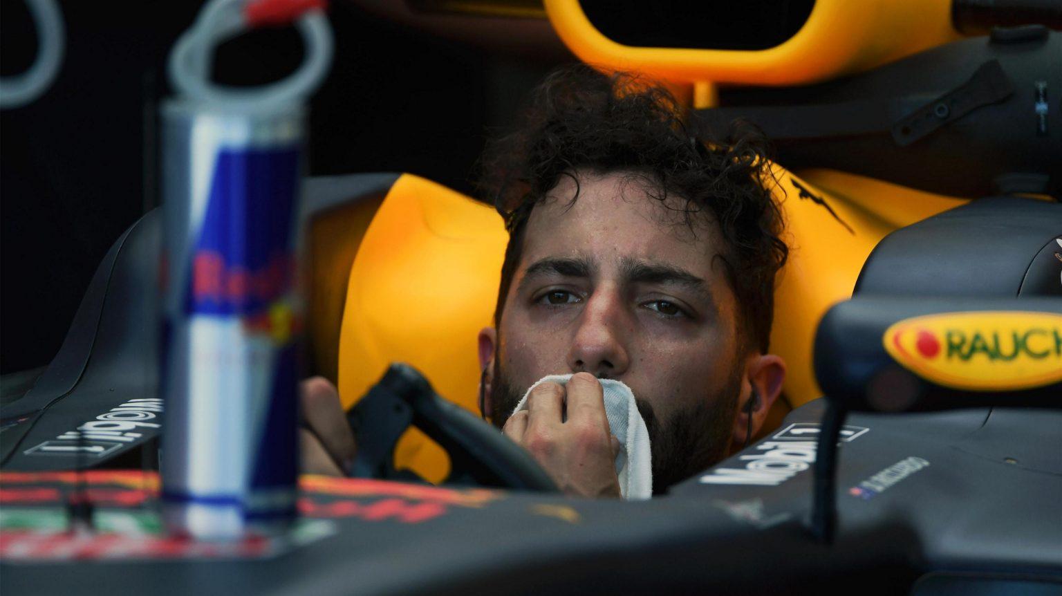 «Ред Булл» ликует, «Мерседес» и «Феррари» озадачены. О чем готовили пилоты Формулы 1 в пятницу
