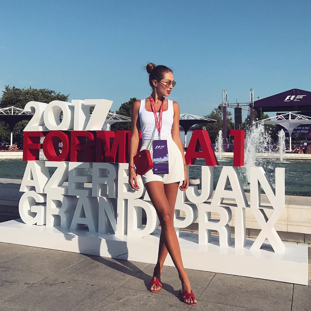 «Российская Анджелина Джоли» в Баку – ФОТО