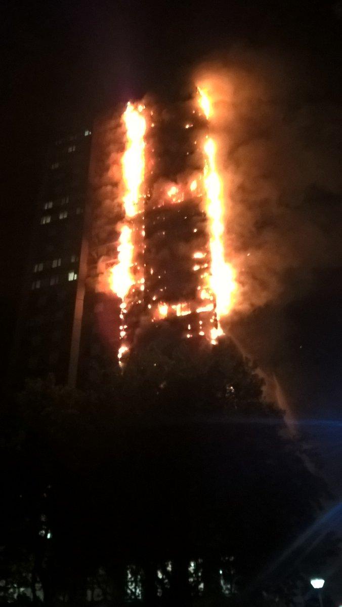 На западе Лондона пылает небоскреб Grenfell Tower — ФОТО — ВИДЕО