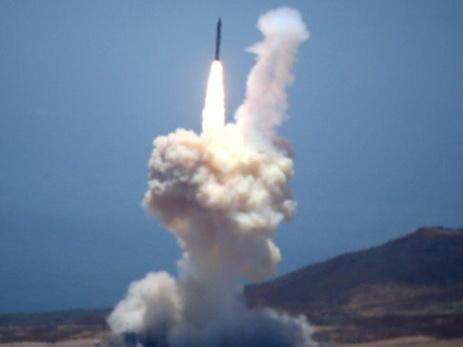 США перебросили на юг Сирии ракетные установки