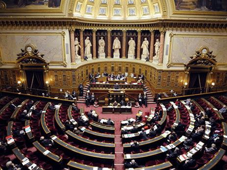 Французское правительство подало в отставку