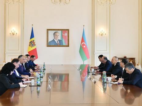 Президенты Азербайджана и Молдовы провели переговоры в расширенном составе — ФОТО