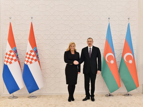 Ильхам Алиев поздравил президента Хорватии