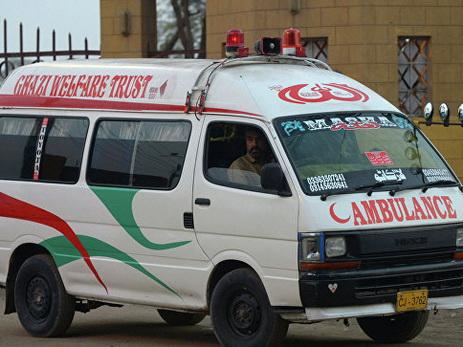 При пожаре на танкере в Пакистане погибли более 100 человек