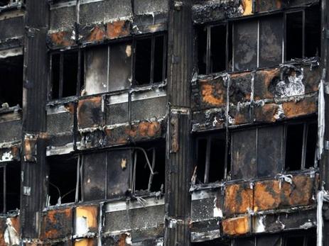 В Англии нашли уже 60 многоэтажек с огнеопасной облицовкой