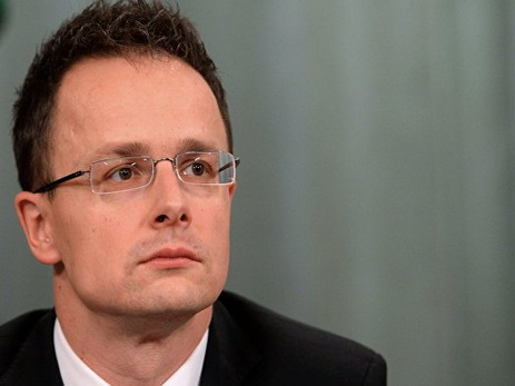 Глава МИД Венгрии обвинил ЕС в лицемерии в вопросах о мигрантах