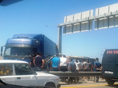 На трассе Баку – Газах произошло тяжелое ДТП, есть пострадавшие — ФОТО