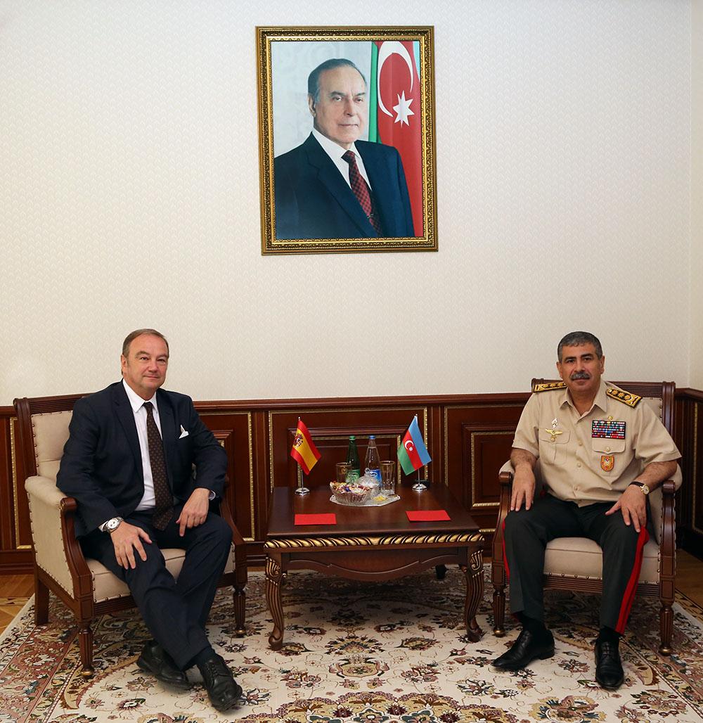 Азербайджан развивает военное сотрудничество с Испанией – ФОТО