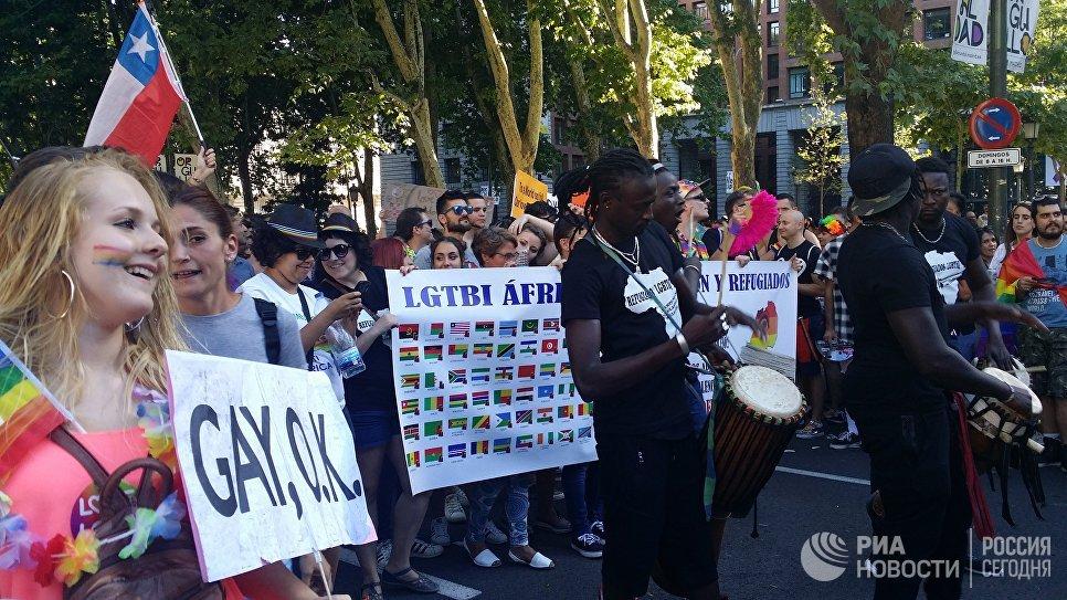 Крупнейший в Европе гей-парад проходит в Мадриде