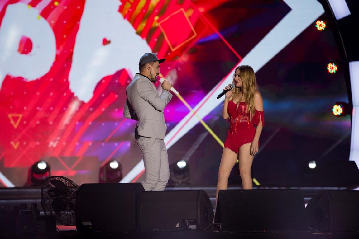 Горячий концертный номер Димы Билана и Нигяр Джамал на фестивале «Жара-2017» - ФОТО