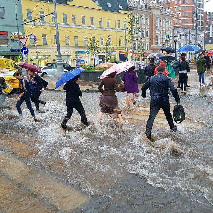 Москва ушла под воду: последствия сильнейшего ливня – ФОТО – ВИДЕО