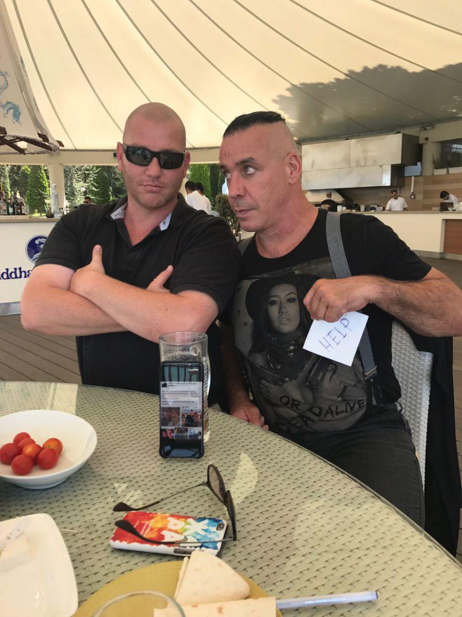 Солист группы «Rammstein» в Баку: «Помогите» — ФОТО – ВИДЕО