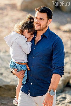 EMIN раскрывает семейные  тайны: «Быть отцом девочки — это…» — ФОТО