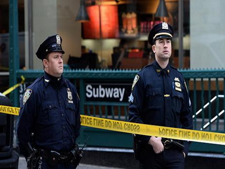 Полиция сообщила, что стрелок в нью-йоркской больнице скончался