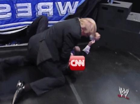 Трамп опубликовал видео, где он «избивает» телеканал CNN за фейковые новости — ВИДЕО