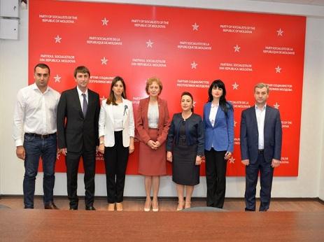 Делегация ПЕА встретилась с президентом Молдовы и руководством правящей партии этой страны