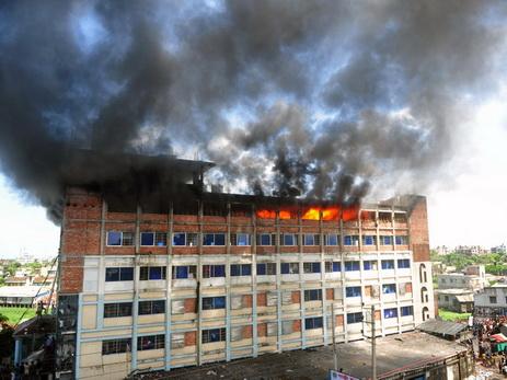 В Бангладеш на швейной фабрике прогремел взрыв, девять человек погибли