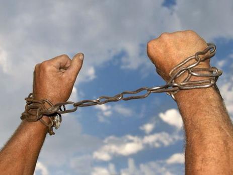 В России азербайджанец стал рабовладельцем-садистом