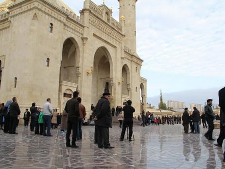 УМК: Религиозный лидер Армении должен выразить отношение к произошедшему в Алханлы
