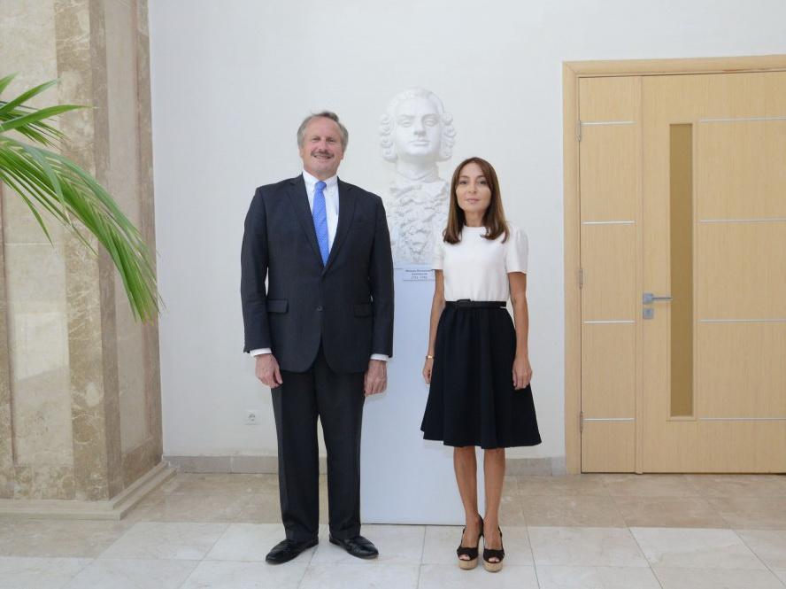 Посол США посетил Филиал МГУ имени М.В. Ломоносова в Баку — ФОТО