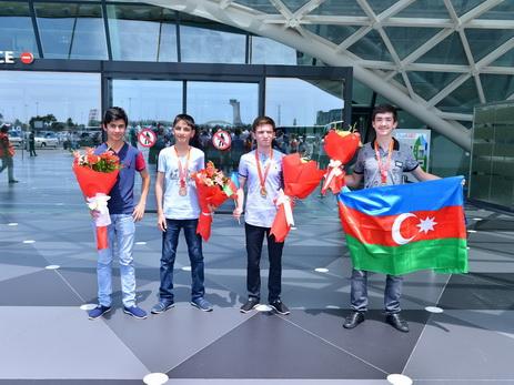 Как встречали азербайджанских медалистов международной олимпиады в Баку — ФОТО