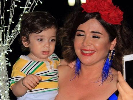 Эльнара Халилова показала в сети подросшего четвертого ребенка – годовалого сына – ФОТО