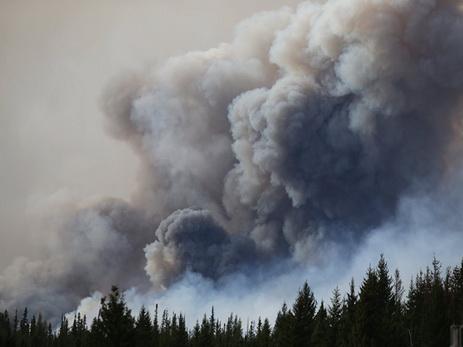 В Канаде из-за лесных пожаров эвакуировали более 45 тысяч человек