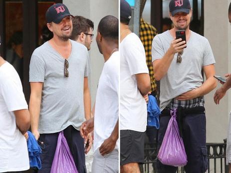 Довольный Ди Каприо прогулялся по городу с привязанным к шортам мусорным пакетом