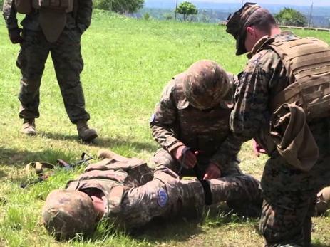 В Армении жалуются на нечеловеческое обращение с проходящими службу в Карабахе военнослужащими