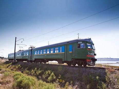 Жительница Шемкира с двумя детьми бросилась под поезд