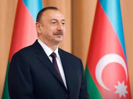 Президент Ильхам Алиев поздравил короля Марокко с национальным праздником