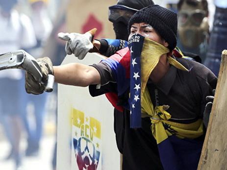 В Венесуэле еще один человек погиб во время протестов