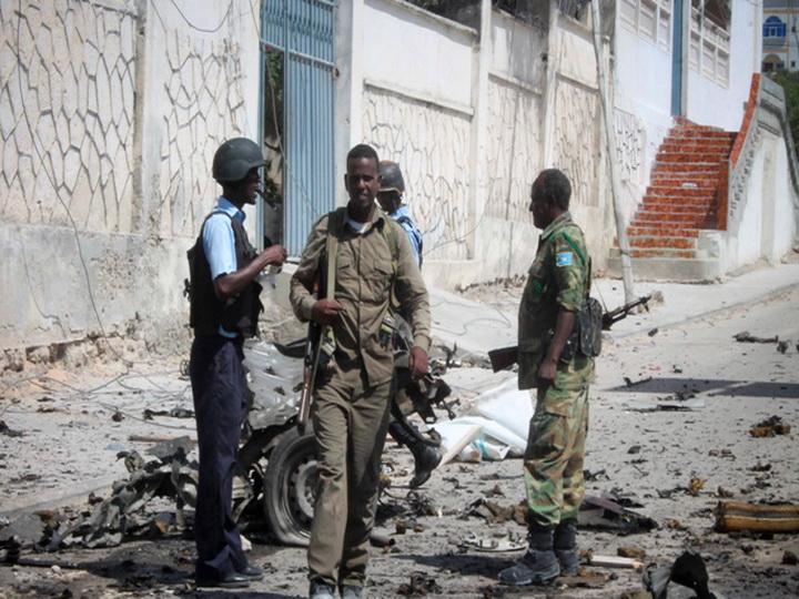 При перестрелке террористов и миротворцев в Сомали погибли 24 человека
