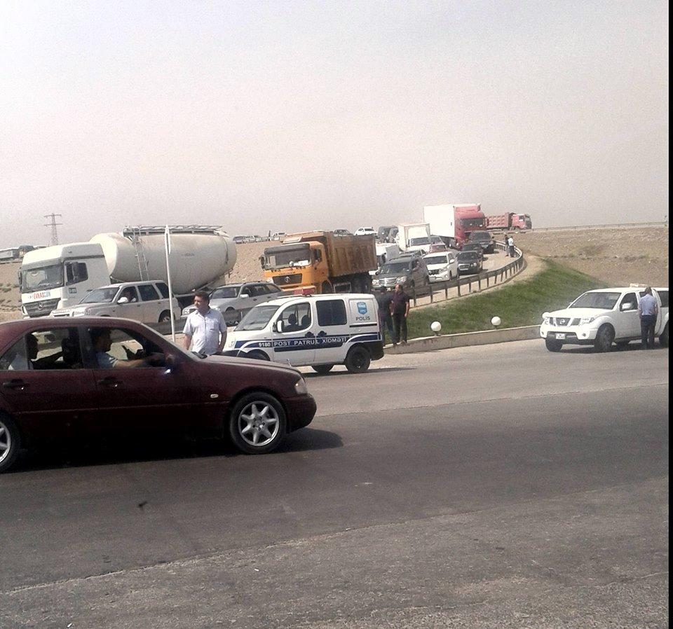 Движение транспорта по трассе Баку-Губа частично восстановлено — ФОТО — ОБНОВЛЕНО