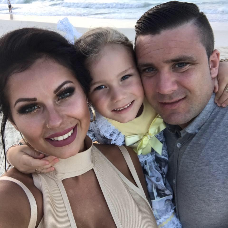 Фанатичная мама тратит тысячи долларов на макияж 4-летней дочки – ФОТО