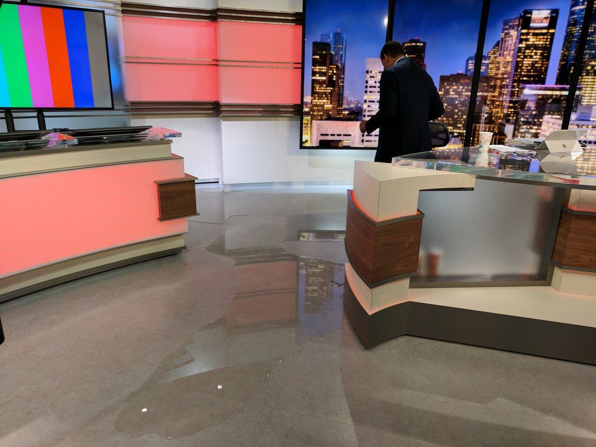 Студию техасского телеканала затопило из-за урагана «Харви» — ФОТО — ВИДЕО