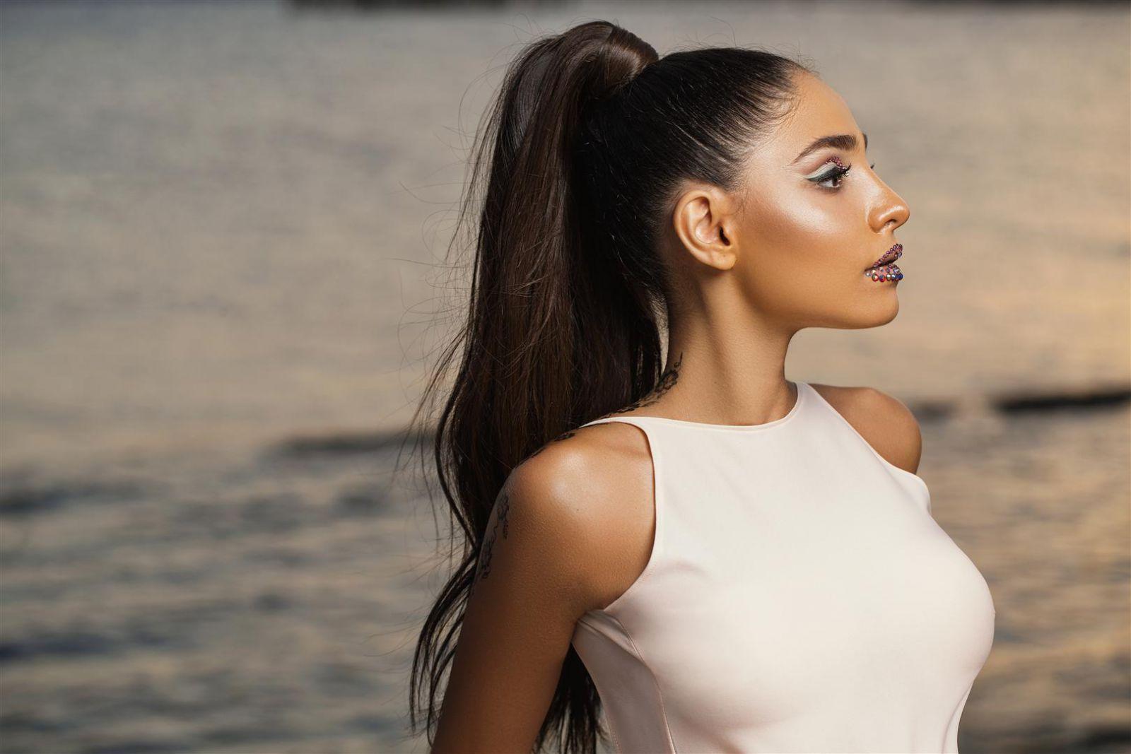 Превратившаяся в красотку молодая певица Ayla презентовала дебютный сингл – ФОТО – АУДИО