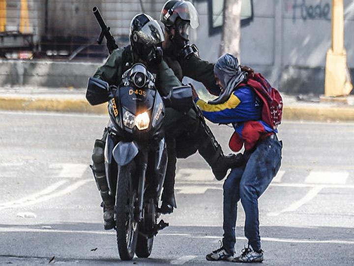 Генсек ОАГ попросил ужесточить санкции против Венесуэлы