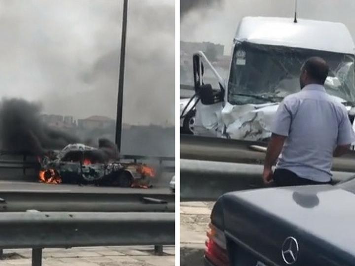 На аэропортовской трассе фургон протаранил «Волгу», та сгорела – ВИДЕО