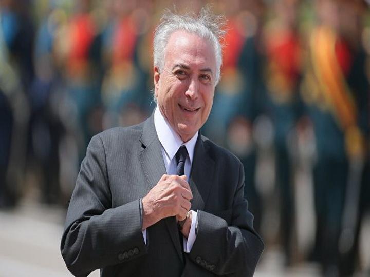 В парламенте Бразилии проголосовали против процесса в отношении президента