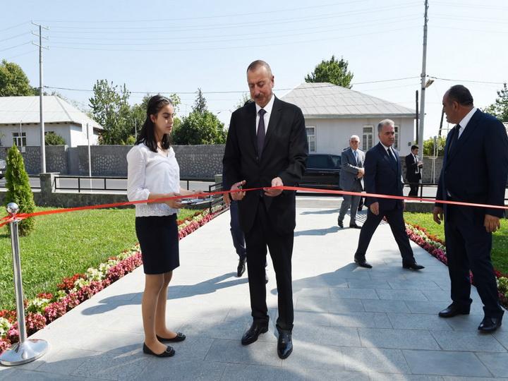 Ильхам Алиев принял участие в открытии яслей-детского сада — ФОТО