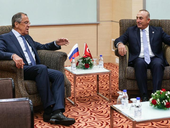 Лавров и Чавушоглу обсудили создание зон деэскалации в Сирии