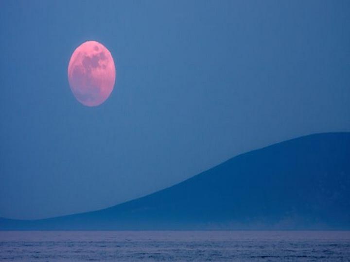 Завершилось второе в этом году лунное затмение