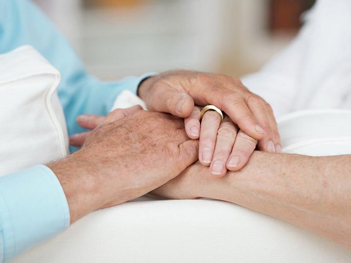 В Нидерландах прожившие вместе 65 лет пенсионеры одновременно ушли из жизни