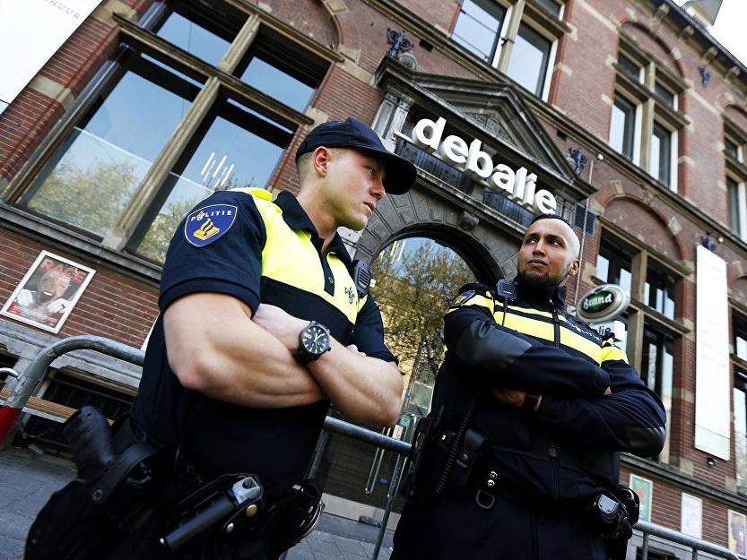 В Голландии неизвестный захватил заложников в здании радиостанции 3FM — ФОТО