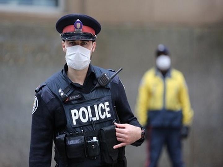 Неизвестный расстрелял двух мужчин в отеле в Торонто