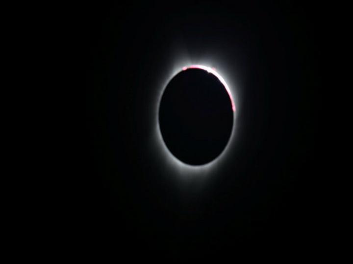 Жители Орегона увидели полное солнечное затмение